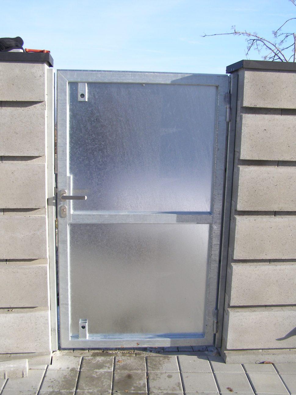 vjezdová brána s brankou od firmy Seidler