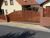 dřevěné vjezdové brány