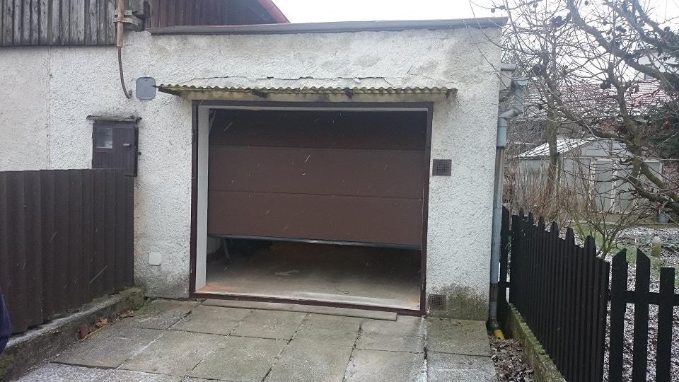 garazova vrata na miru