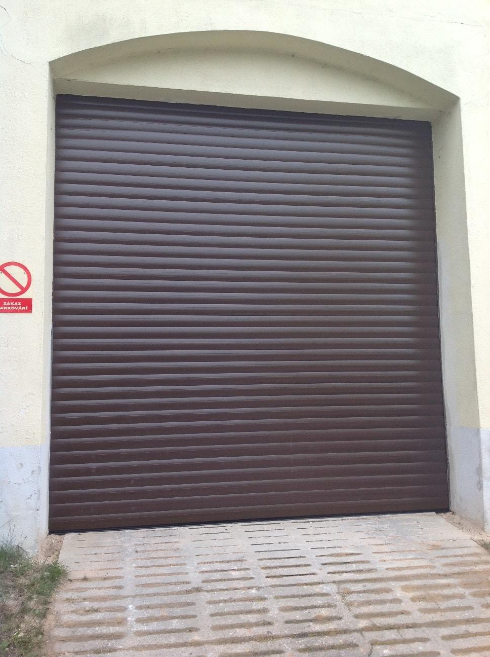 rolovací vrata montáž