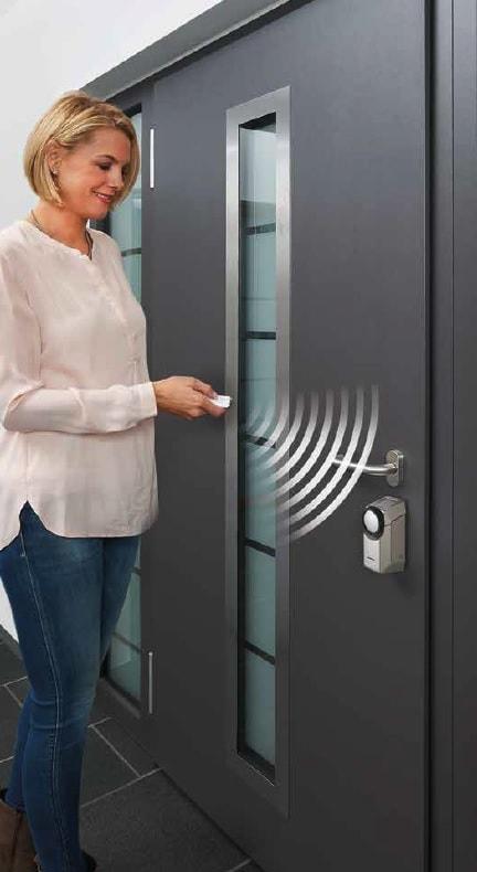 bezdrátové zamykání dveří SmartKey od firmy Hörmann a montované firmou Seidler