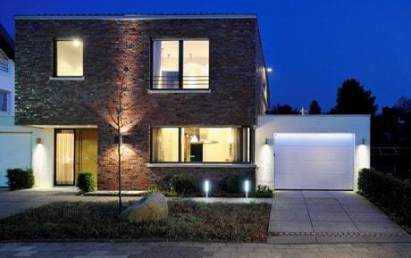 osvětlení garážových vrat Hörmann montované firmou Seidler