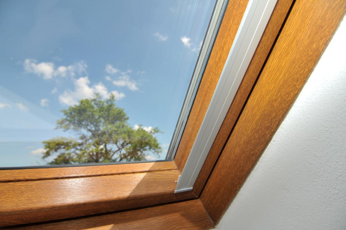 rolety na střešní okna